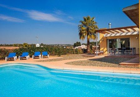 Villa in Pinalbert, Spain