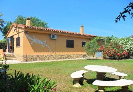 Villa in Sant Martí d'Empúries, Spain