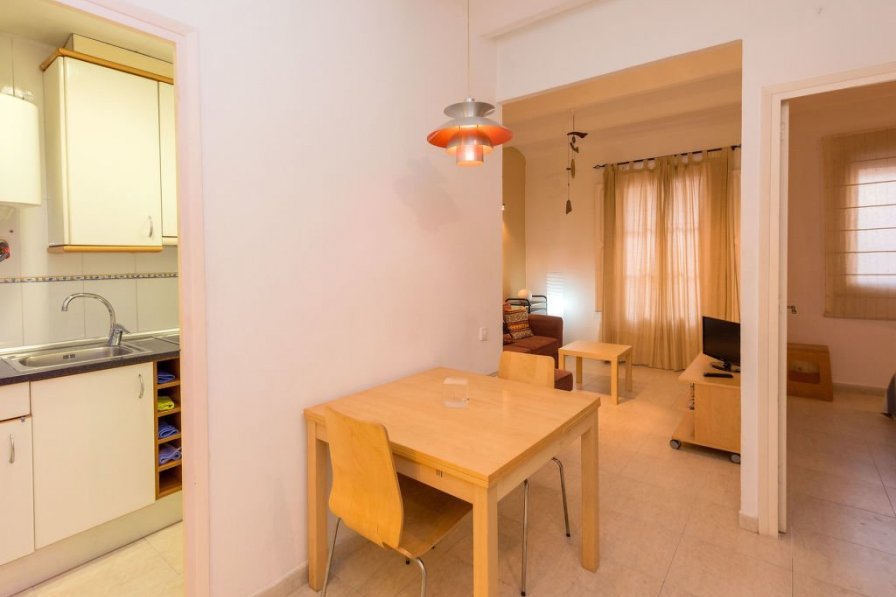 Apartment in Spain, Sants - Badal