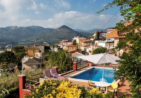 Apartment in Pinemar, Spain