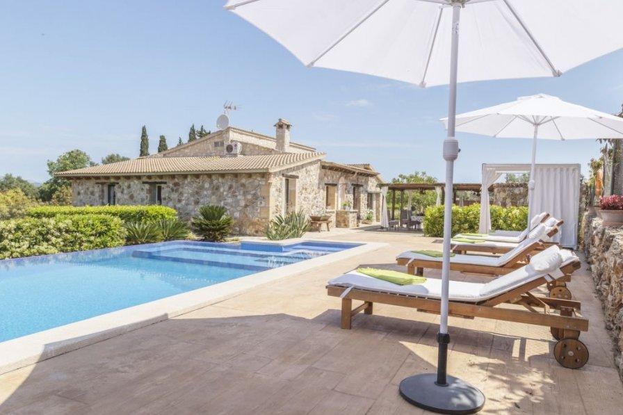 Villa in Spain, Muro