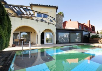 6 bedroom Villa for rent in Empuriabrava