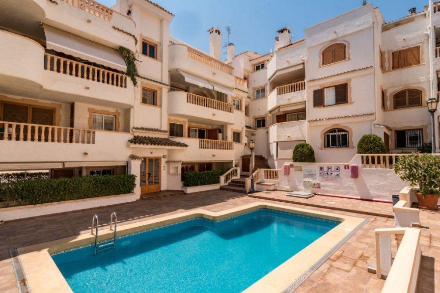 Penthouse apartment in Spain, Aduanas