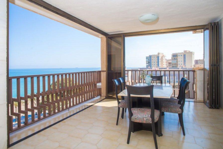 Apartment in Spain, Cuadro Santiago