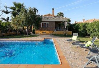 5 bedroom Villa for rent in Riumar