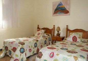 4 bedroom House for rent in Arona