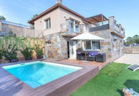 Villa in Montlloret, Spain