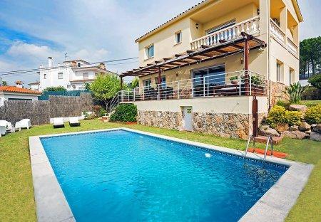 Villa in Condado de Jaruco, Spain