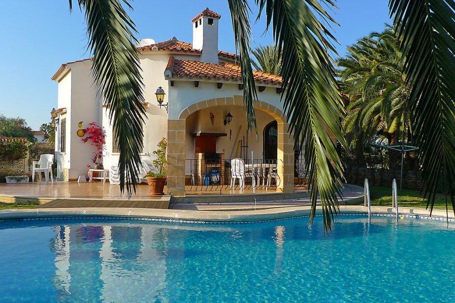Villa in Spain, Marines