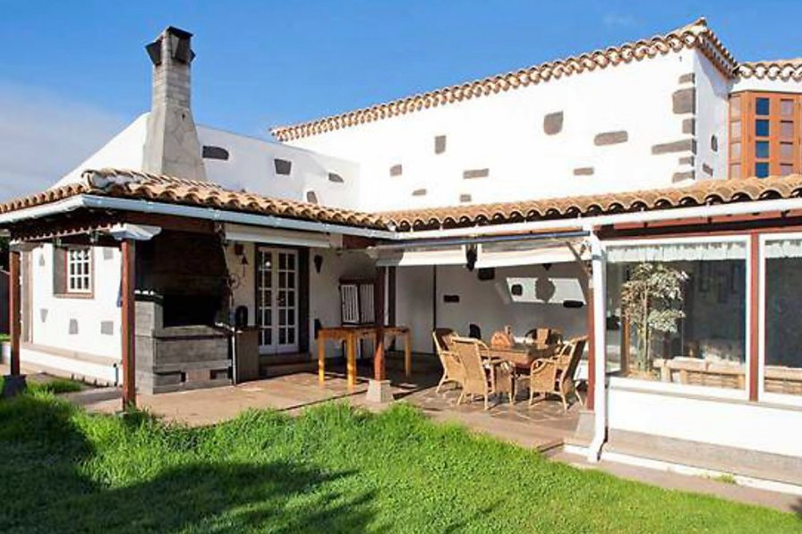 Owners abroad Villa with private pool in El Rosario