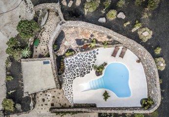 2 bedroom Villa for rent in Tias