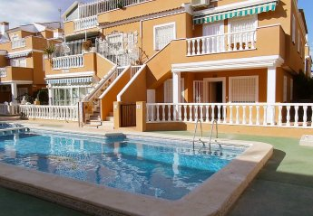 2 bedroom Apartment for rent in Torrevieja Town