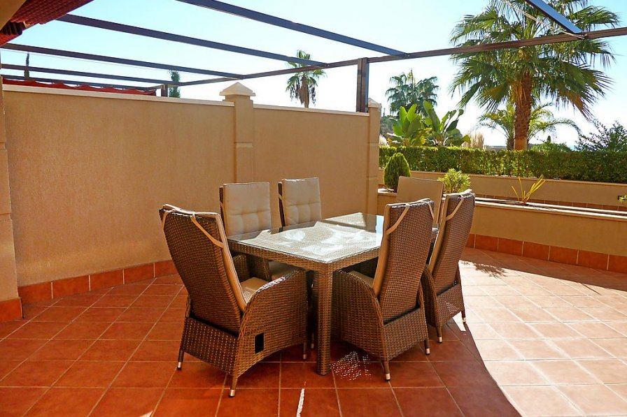 Owners abroad Fuengirola apartment to rent