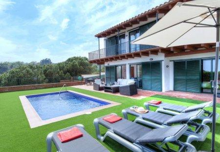 Villa in els Pinars, Spain