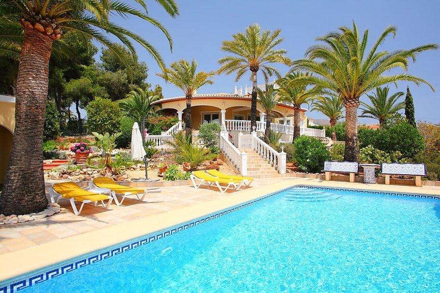 Owners abroad Villa Bombilla
