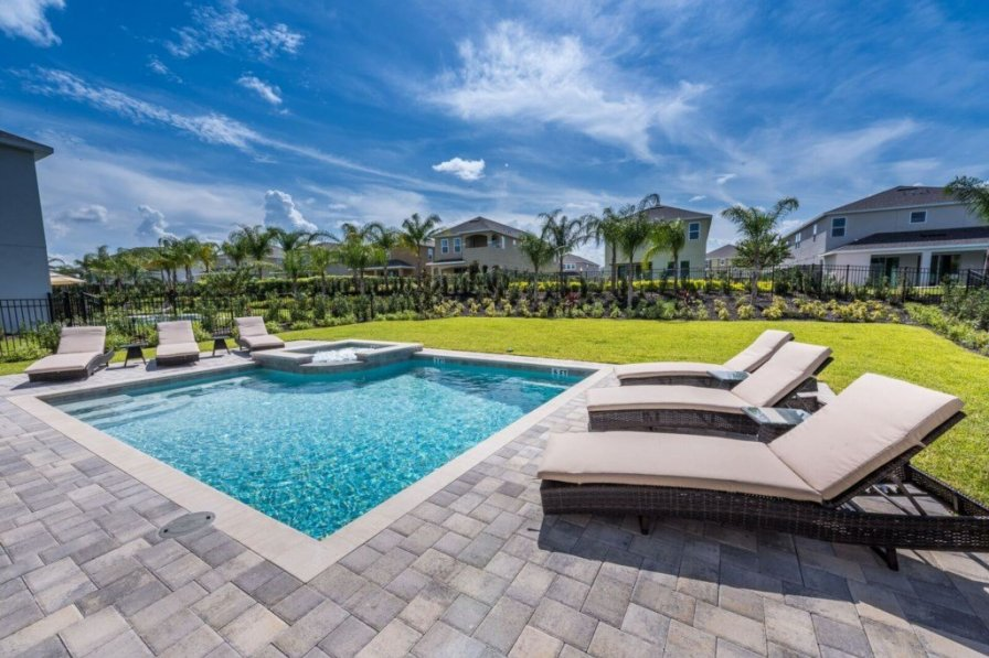 villa to rent in kissimmee florida with private pool 244144. Black Bedroom Furniture Sets. Home Design Ideas