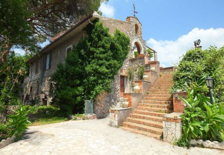 Villa in Montecelio, Italy