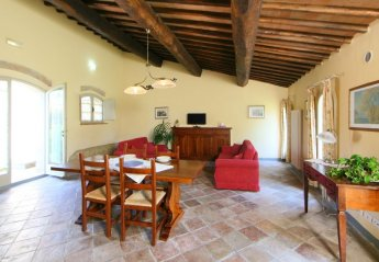 1 bedroom Apartment for rent in Colle di Val d'Elsa