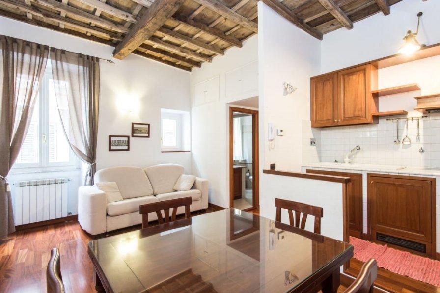 Apartment in Italy, Esquilino