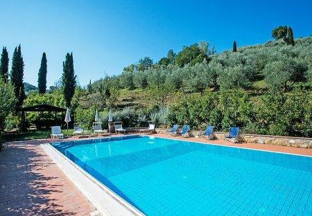 Villa in Alberi, Italy
