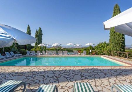 Apartment in Villa A Sesta, Italy