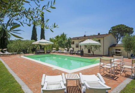 Villa in Lamporecchio, Italy