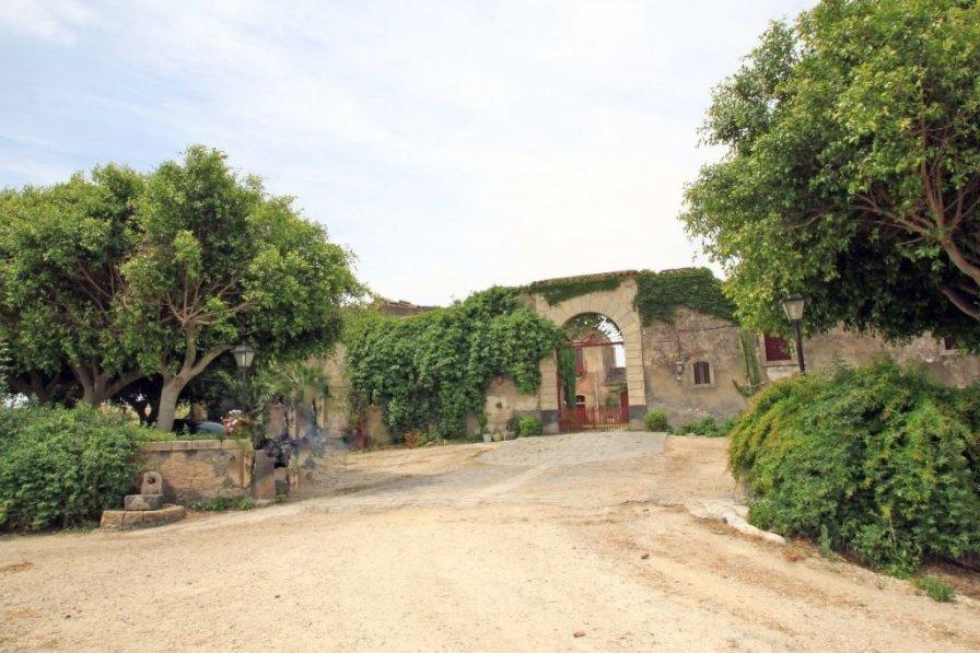 Villa in Italy, Lentini