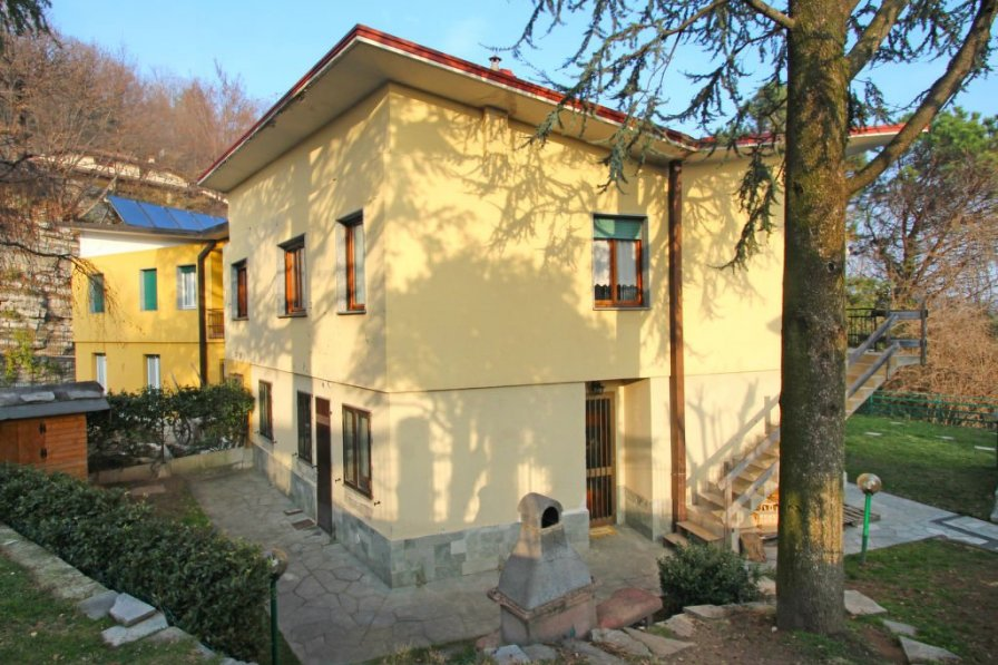 Apartment in Italy, Longone al Segrino