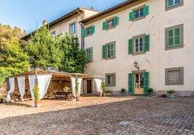 Villa in Cevoli, Italy