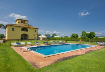 6 bedroom House for rent in Monte San Savino