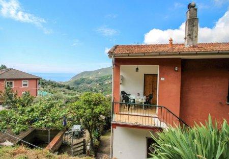 Apartment in Camposoprano, Italy