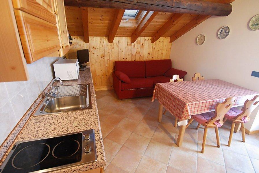 Apartment in Italy, Mazzin