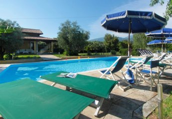 6 bedroom House for rent in Pietrasanta