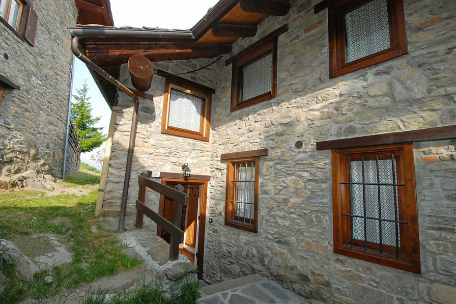 Owners abroad Sarre apartment to rent