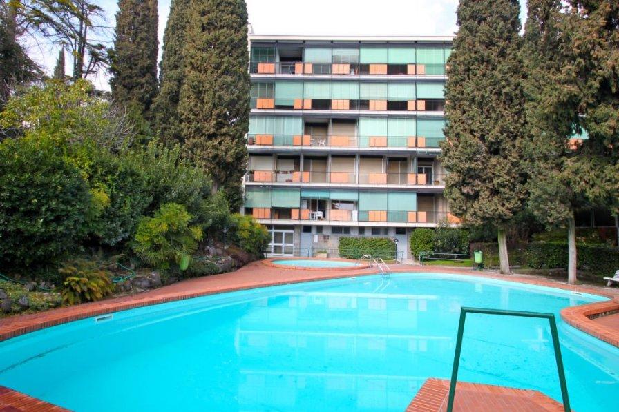 Apartment in Italy, Gardone Riviera