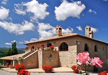 6 bedroom House for rent in Castel del Piano