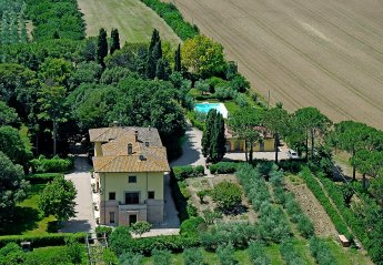 9 bedroom House for rent in Perugia