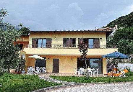 Villa in Maranola-Trivio, Italy