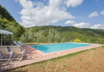 5 bedroom House for rent in Chianni