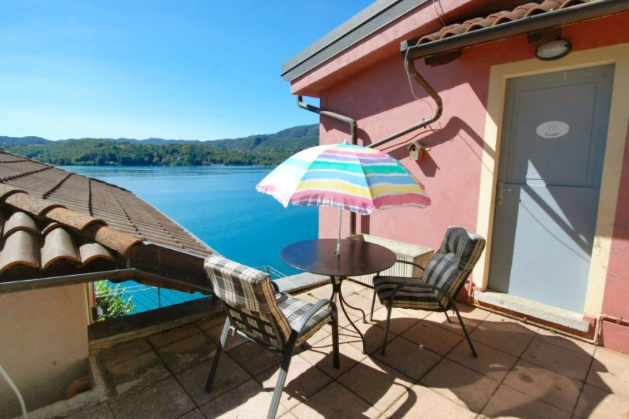 Owners abroad Orta San Giulio apartment to rent