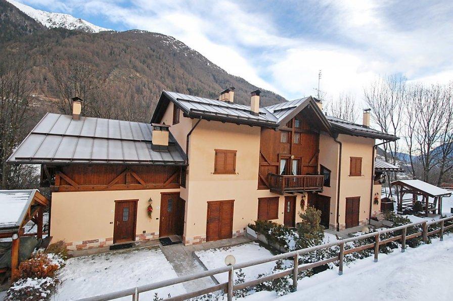Apartment in Italy, Almazzago
