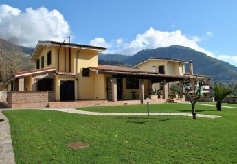4 bedroom House for rent in Itri