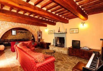 5 bedroom House for rent in Tuoro sul Trasimeno