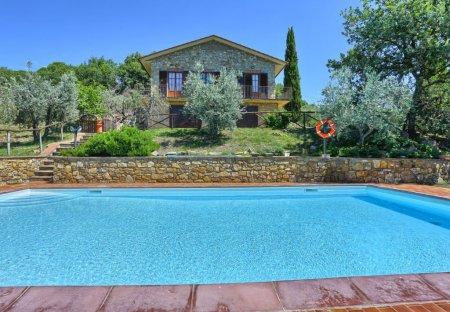 Villa in Bucine, Italy