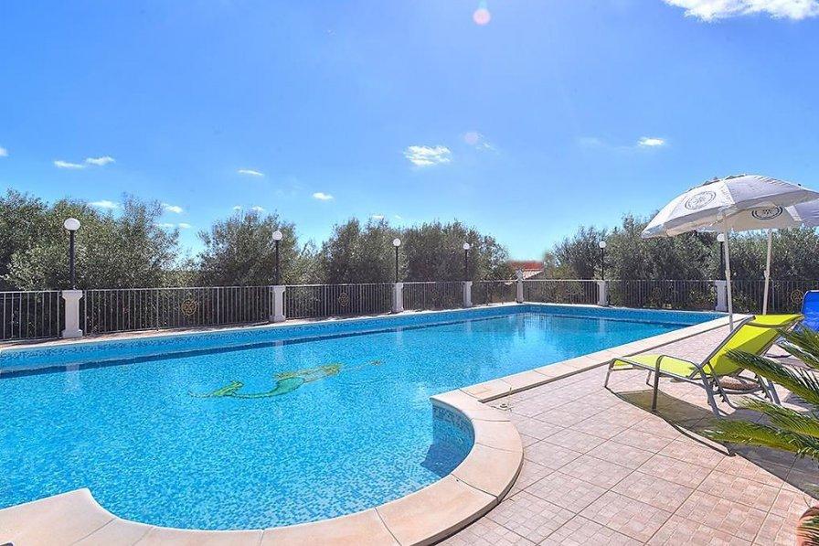 Villa in Italy, Floridia