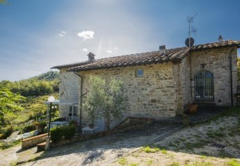 7 bedroom House for rent in Barberino di Mugello