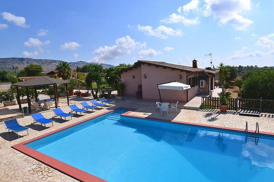 Villa in Italy, Solarino