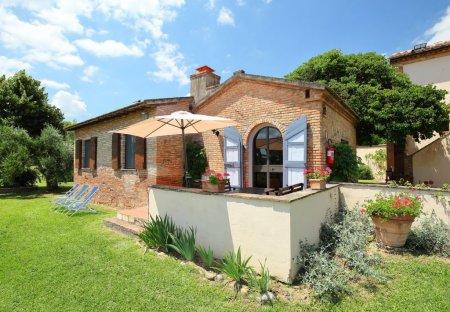 Villa in Chiusi, Italy