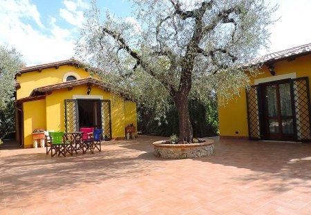Villa in Canneto, Italy
