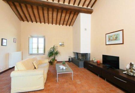 Apartment in Colle di Val d'Elsa, Italy